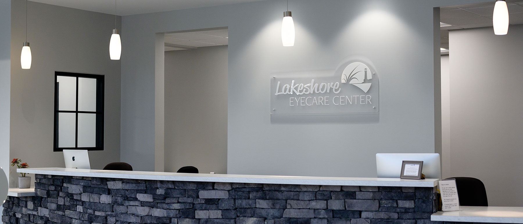 front desk at Lakeshore Eyecare Center